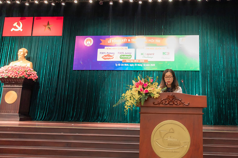 Ms. Vu Thi Bich Ngoc - Director of IIG Vietnam Ho Chi Minh  - Representative of the Organizing Committee speaking at the event