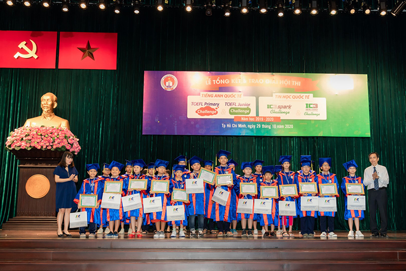 Students receive awards from IC3 Spark Challenge for the school year 2019-2020