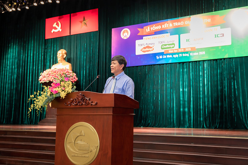 Mr. Nguyen Van Hieu -  Director of Ho Chi Minh City Department of Education and Training. Ho Chi Minh speaks at the Closing Ceremony