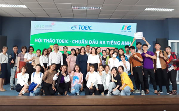 """""""TOEIC – Secret to impress employers"""" Exciting Orientation Seminar for Danang's students"""