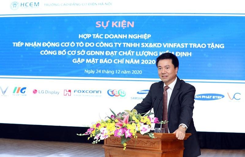 Mr. Doan Hong Nam - President of IIG Education Organization spoke at the signing ceremony