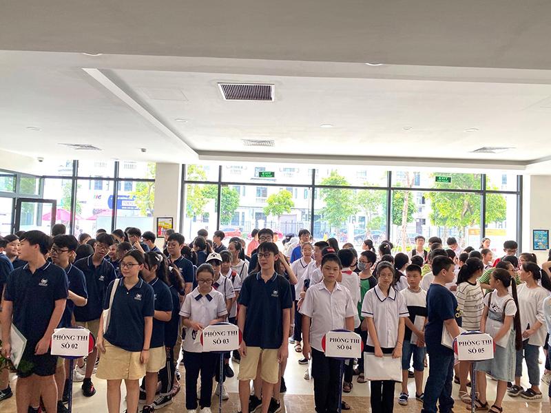 Đông đảo thí sinh tham dự cuộc thi TOEFL tại Hải Phòng