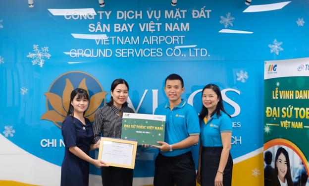 Vinh danh Đại sứ TOEIC Việt Nam 3/2021 miền Trung: Anh Hồ Hoàng Quân – Thủ tục viên hàng không, Công ty TNHH Một thành viên Dịch vụ mặt đất sân bay Việt Nam