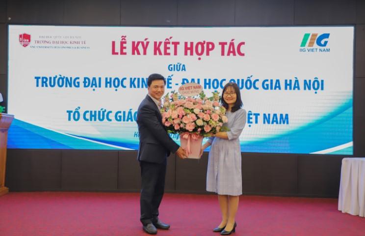 Đại học Kinh tế – Đại học Quốc gia và IIG Việt Nam: Ký kết thỏa thuận hợp tác phát triển nguồn nhân lực chất lượng cao